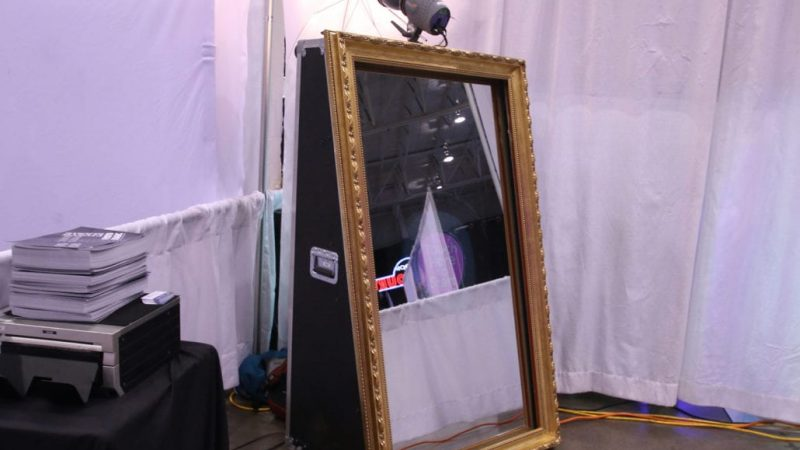 Learn What A Pro Has To Say About The Photo Booth Mirror