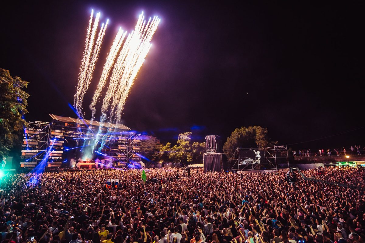 Detailed Analysis On Festival Stage Hire